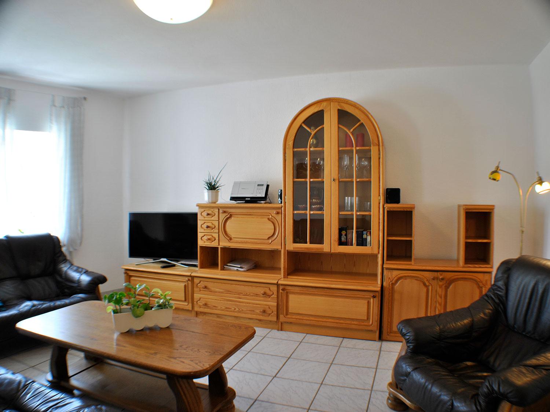 buche wohnzimmer1 - günstige Ferienwohnungen 200m bis Nationalpark Kellerwald-Edersee