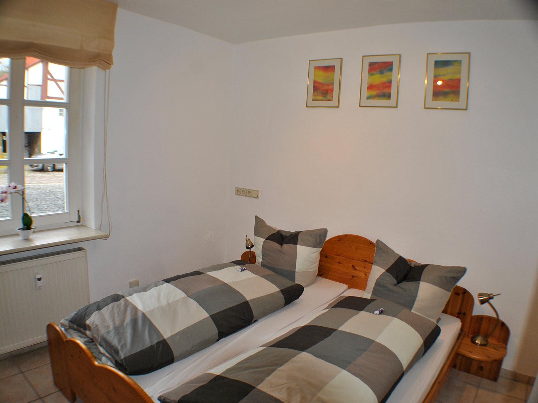 eiche schlafzimmer2 1 - günstige Ferienwohnungen 200m bis Nationalpark Kellerwald-Edersee