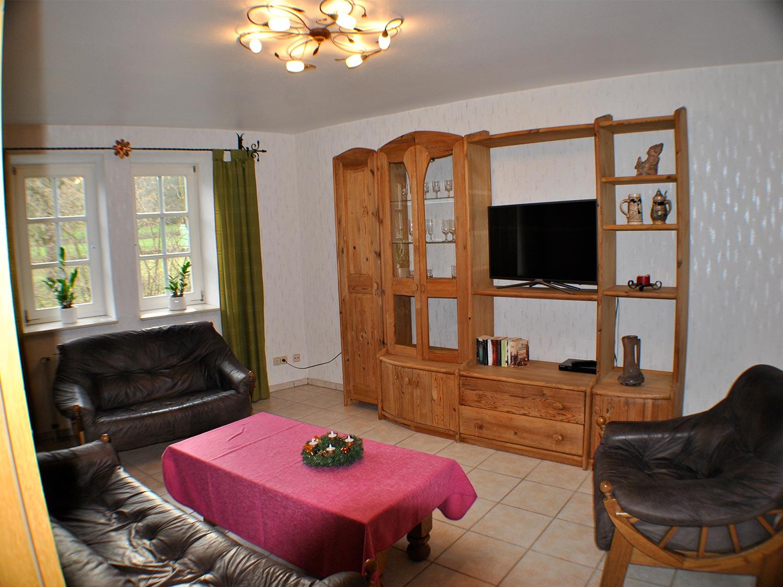 eiche wohnzimmer2 - günstige Ferienwohnungen 200m bis Nationalpark Kellerwald-Edersee
